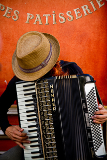 Accordian Player Provence